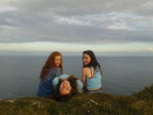 Thea Kelly and her friends, Síle and Lucy